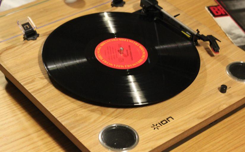 評判レビュー。ION Audio Max LP レコードプレーヤーを買ってみた